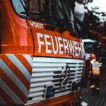 Brand in einem Hochhaus in Stralsund – ein Mann leicht verletzt